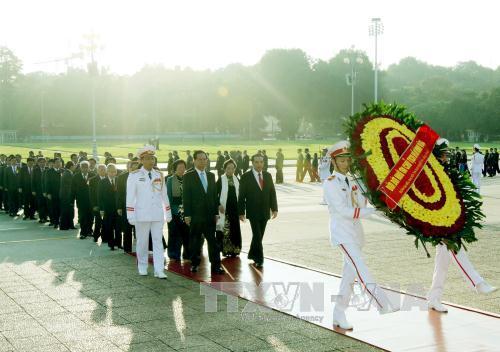 Lãnh đạo Đảng, Nhà nước, Mặt trận Tổ quốc Việt Nam viếng Chủ tịch Hồ Chí Minh