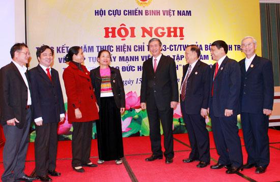Cựu chiến binh Việt Nam học tập và làm theo tấm gương đạo đức Hồ Chí Minh