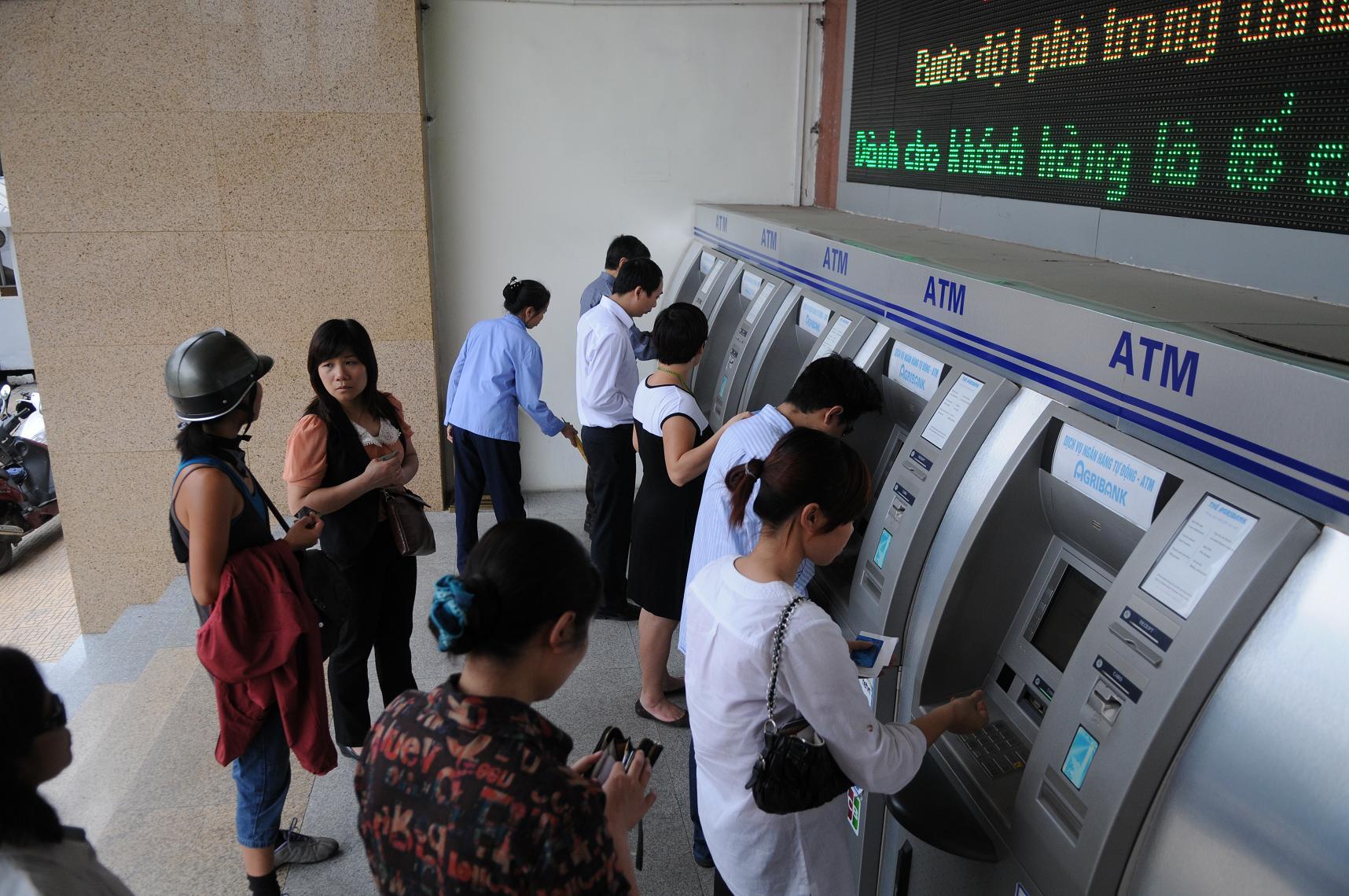 Đảm bảo chất lượng dịch vụ và an toàn hoạt động ATM dịp Tết Nguyên đán 2016