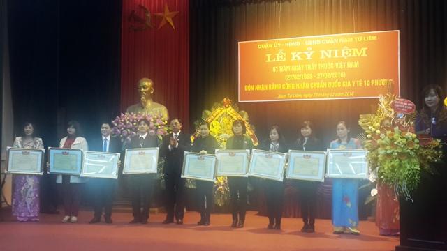 Quận Nam Từ Liêm: Kỷ niệm 61 năm ngày Thầy thuốc Việt Nam và công nhận 10 phường đạt chuẩn y tế quốc gia