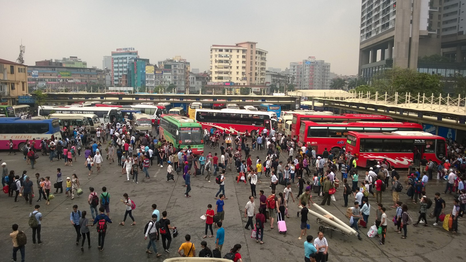 Hà Nội: Ngạt thở ở các bến xe trước ngày nghỉ lễ