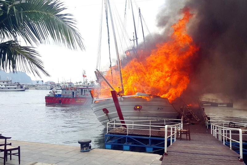 Rà soát, kiểm tra chất lượng tàu du lịch trên vịnh Hạ Long