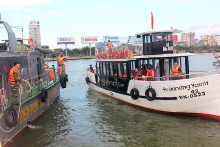 Đà Nẵng: Diễn tập cứu hộ tàu chìm, cháy trên sông Hàn