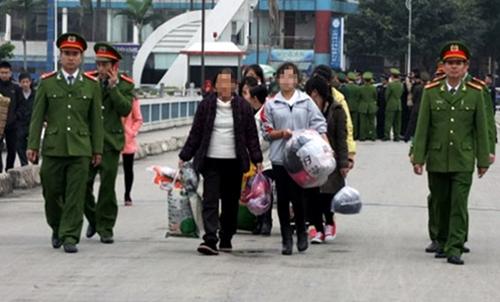 Cần đẩy mạnh tuyên truyền thủ đoạn của bọn buôn người sang Trung Quốc