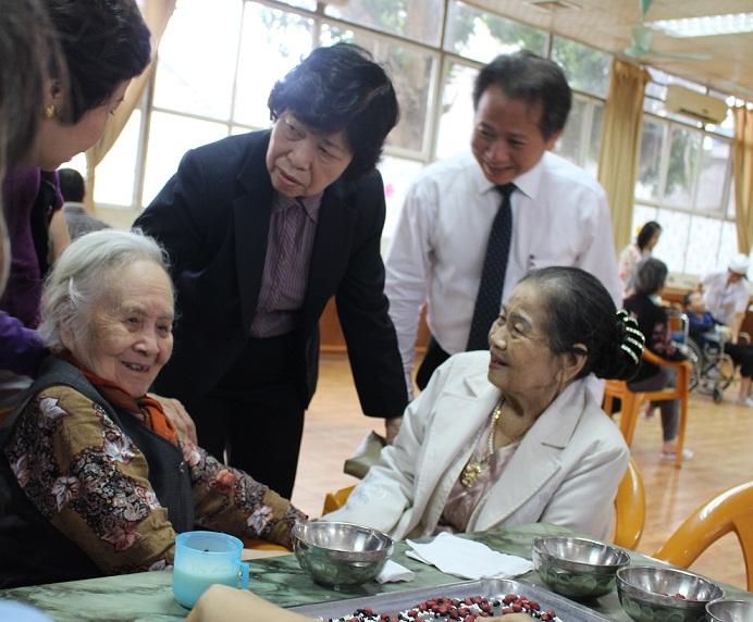Người cao tuổi và bệnh không lây nhiễm