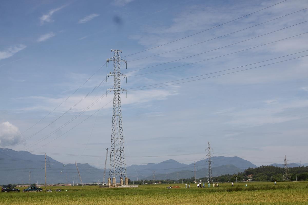 Hoàn thành kéo dây cung đoạn vị trí 04 – 08 đường dây 220kV Đà Nẵng – Ngũ Hành Sơn