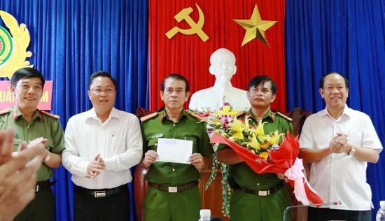 """Quảng Nam: Thưởng """"nóng"""" Ban Chuyên án điều tra vụ phá rừng pơ mu"""