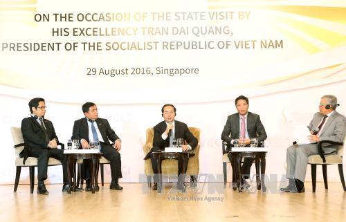 Chủ tịch nước Trần Đại Quang: Việt Nam luôn chào đón các nhà đầu tư Singapore