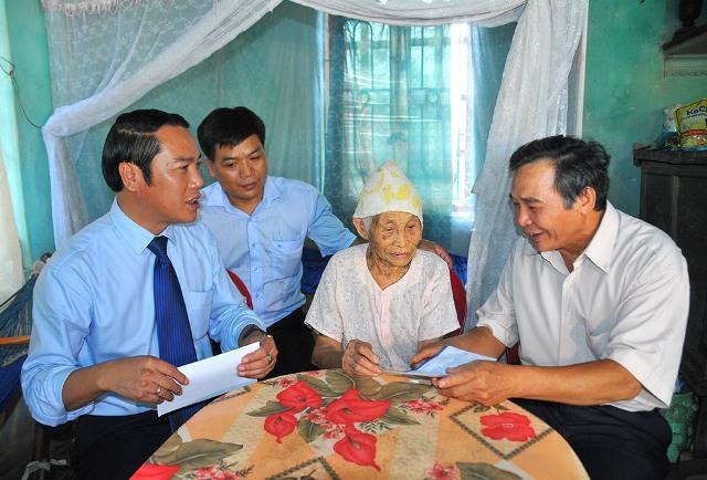 Chương trình Tết Độc lập 2016 thăm, tặng quà Mẹ Việt Nam Anh hùng và thương bệnh binh