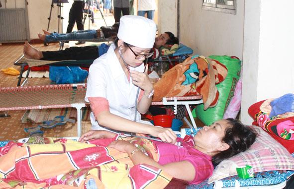Bệnh sốt xuất huyết diễn biến phức tạp tại Đắk Lắk