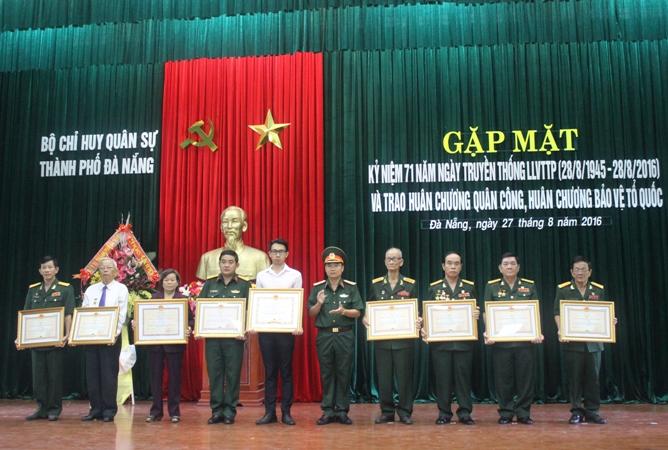 Kỷ niệm 71 năm Ngày truyền thống lực lượng vũ trang thành phố Đà Nẵng