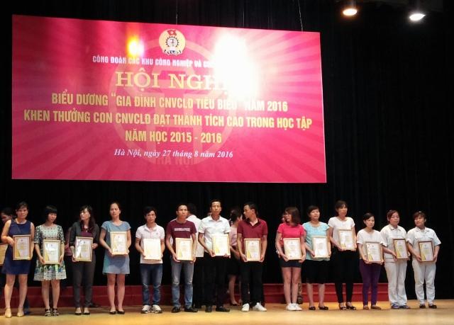 Hà Nội: Biểu dương 68 gia đình công nhân, lao động tiêu biểu năm 2016