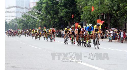 Giải đua xe đạp Quốc tế VTV - Cúp Tôn Hoa Sen 2016: Nguyễn Thành Tâm giành giải nhất chặng 5