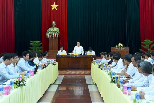 Thủ tướng Nguyễn Xuân Phúc làm việc với lãnh đạo chủ chốt tỉnh Ninh Thuận