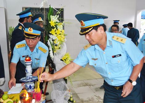 Phú Yên: Tổ chức lễ tang Thiếu úy, học viên phi công Phạm Đức Trung