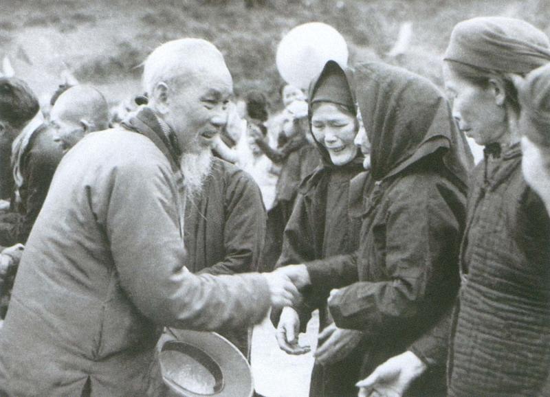 Hòa Bình: Tuyên truyền sâu rộng việc học tập tư tưởng, đạo đức, phong cách Hồ Chí Minh
