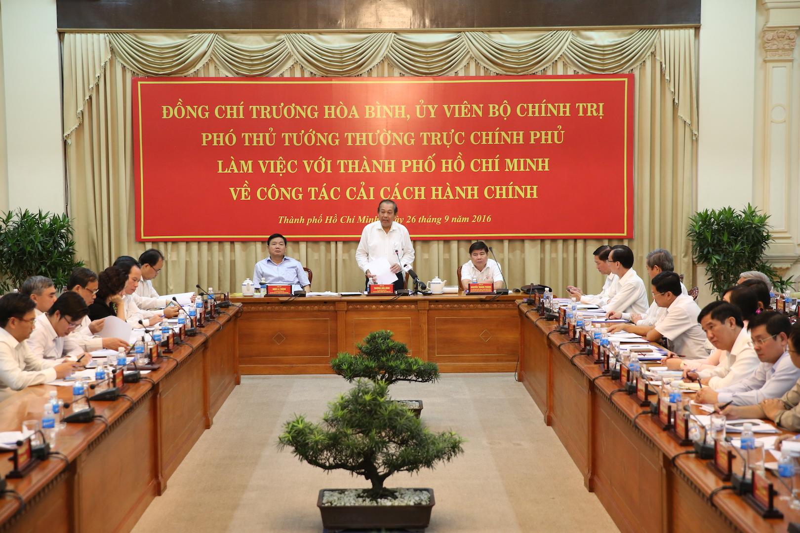 Phó Thủ tướng Trương Hòa Bình làm việc với Thành phố Hồ Chí Minh về cải cách hành chính