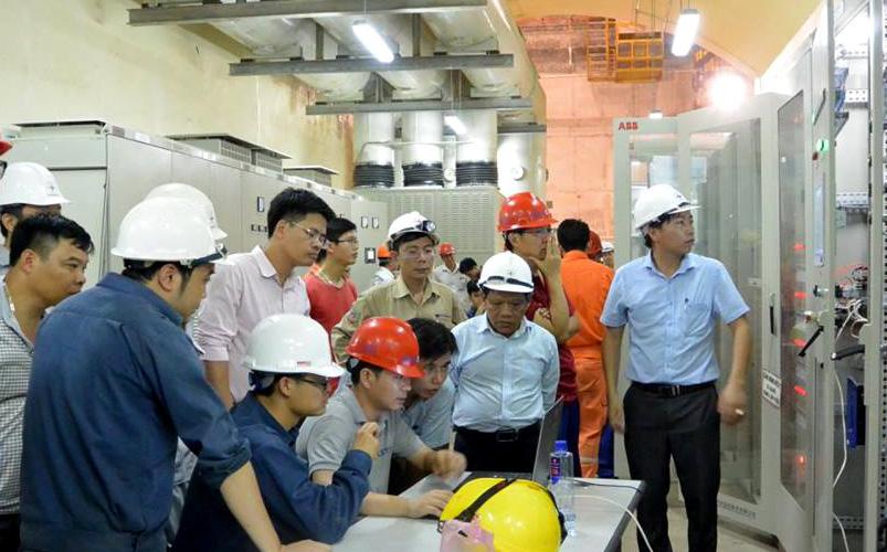 Khen thưởng vượt tiến độ Dự án Thủy điện Huội Quảng