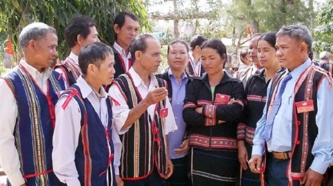 Quyết định số 402/QĐ-TTg, ngày 14/3/2016 của Thủ tướng Chính phủ phê duyệt Đề án phát triển đội ngũ CBCCVC người DTTS trong thời kỳ mới
