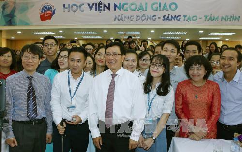 Phó Thủ tướng, Bộ trưởng Ngoại giao Phạm Bình Minh dự khai giảng Học viện Ngoại giao