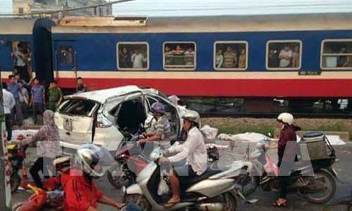 Thủ tướng yêu cầu điều tra làm rõ vụ tai nạn giao thông đặc biệt nghiêm trọng tại Hà Nội
