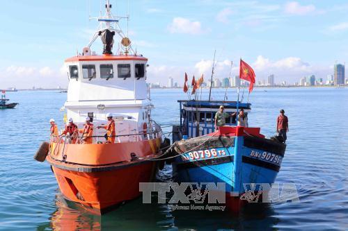Đà Nẵng: Đưa thuyền viên của tàu gặp nạn trên biển vào bờ an toàn