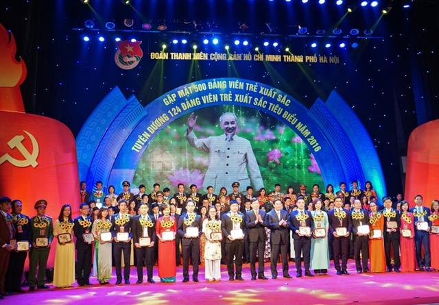 Hà Nội: Tuyên dương 124 đảng viên trẻ xuất sắc