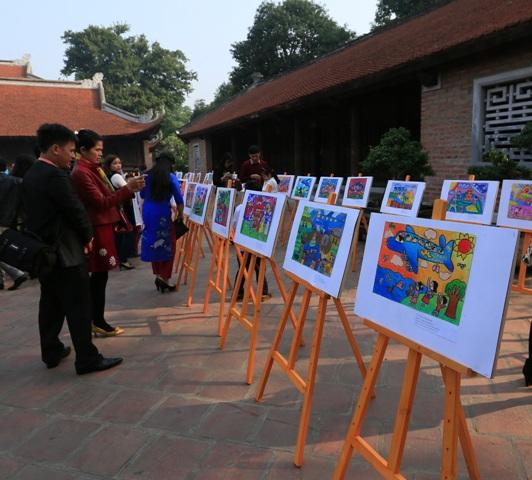 """Trao 100 giải thưởng cho Cuộc thi mỹ thuật """"Sải cánh vươn cao"""" dành cho học sinh tiểu học tại Hà Nội"""