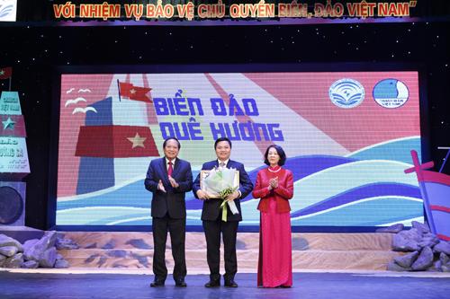 Khuyến khích thanh niên Việt Nam ở nước ngoài góp sức bảo vệ chủ quyền biển, đảo