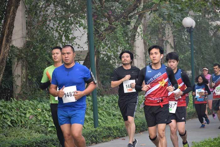 Hơn 600 người tham gia giải Chạy vì động vật hoang dã năm 2016
