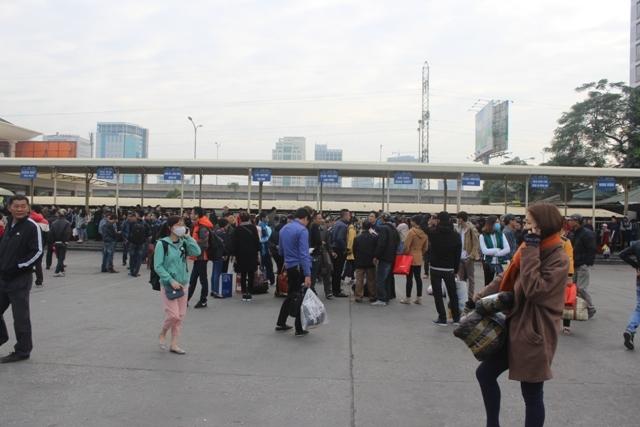 Hà Nội: Hàng trăm xe khách tại bến xe Mỹ Đình từ chối đón khách