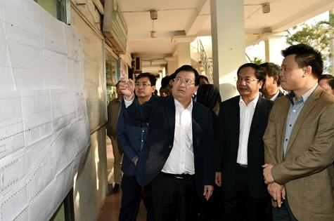 Phó Thủ tướng Trịnh Đình Dũng làm việc với lãnh đạo ngành đường sắt