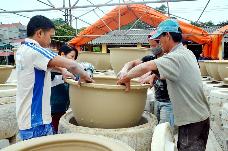 Hướng đi nào cho bảo tồn và phát huy giá trị các làng nghề truyền thống ở Quảng Ninh?
