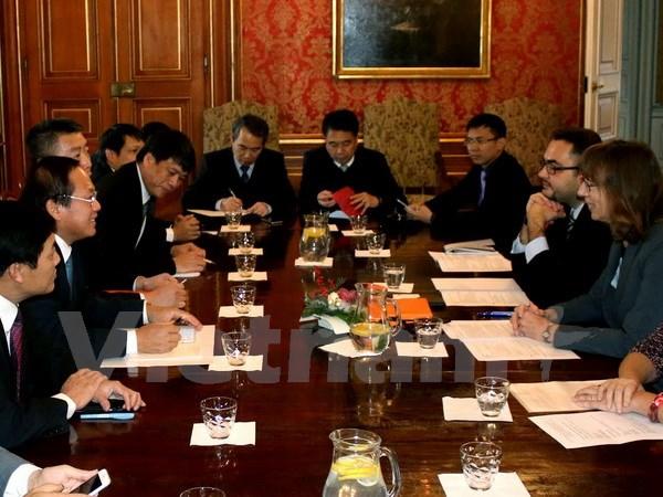 Bộ trưởng Trương Minh Tuấn đánh giá cao tiềm năng hợp tác ICT Việt – Séc