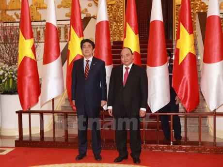 Truyền thông Nhật Bản đưa nổi bật chuyến công du Việt Nam của Thủ tướng Shinzo Abe
