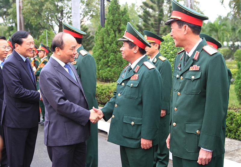 Thủ tướng Nguyễn Xuân Phúc thăm, chúc Tết cán bộ, chiến sĩ Quân khu 5
