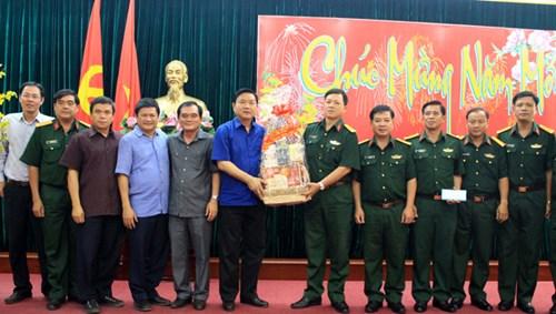 Bí thư Thành ủy Thành phố Hồ Chí Minh thăm, chúc Tết các đơn vị quân đội