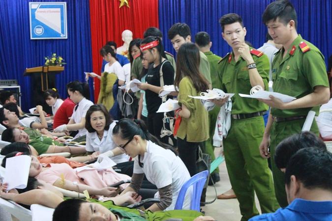 Đà Nẵng: Hơn 1.200 người tham gia hiến máu cứu người