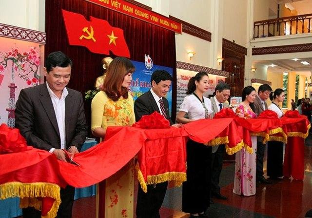 Điện Biên: Khai mạc Hội Báo Xuân 2017
