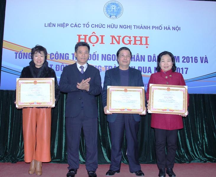 Hà Nội: Tổng kết công tác đối ngoại nhân dân năm 2016 và phát động phong trào thi đua năm 2017