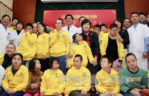Phu nhân Thủ tướng Nhật Bản thăm Bệnh viện Phục hồi chức năng Hà Nội