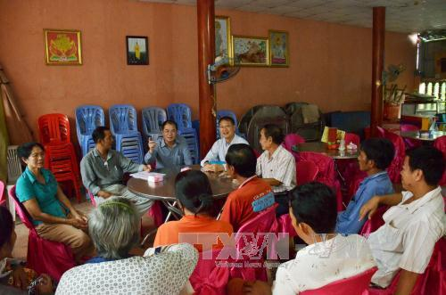 Đại sứ quán Việt Nam thăm hỏi, động viên bà con Việt kiều gặp khó khăn tại Campuchia