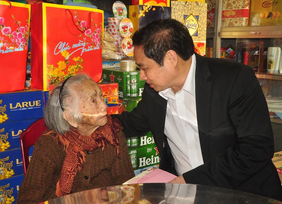 Đồng chí Phạm Minh Chính thăm, chúc Tết tại Quảng Nam