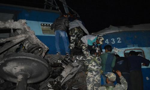 Tai nạn tàu hỏa tại Ấn Độ, hơn 100 người thương vong
