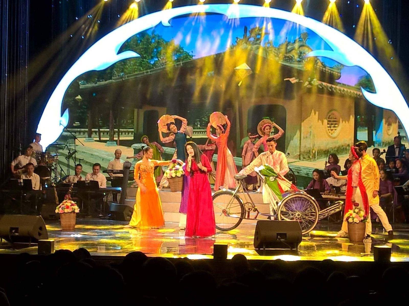 Nhiều nhà hát hưởng ứng chương trình biểu diễn nghệ thuật chất lượng cao