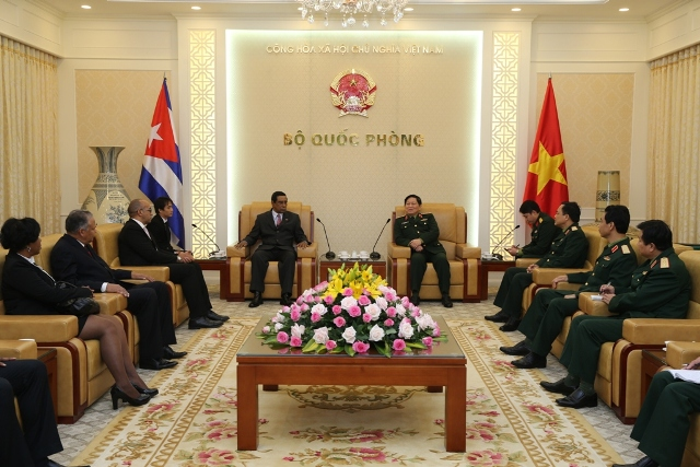Đại tướng Ngô Xuân Lịch, Bộ trưởng Bộ Quốc phòng tiếp Đoàn công tác Cục Cơ yếu Bộ Nội vụ Cuba