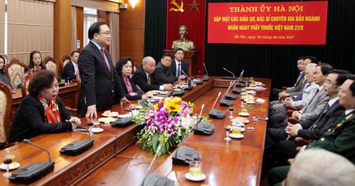 Lãnh đạo Thành phố Hà Nội chúc mừng ngày Thầy thuốc Việt Nam