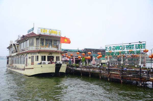 Hà Nội: Du thuyền, nhà nổi hồ Tây phải tháo dỡ trước 20/2