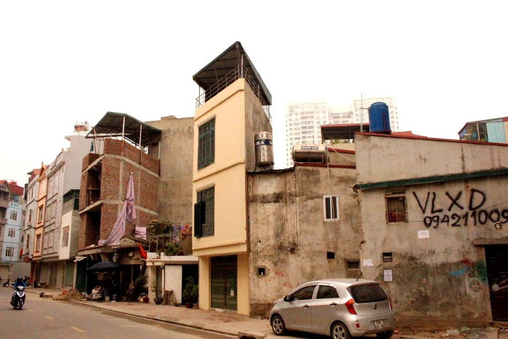 Hà Nội: Cần chấm dứt tình trạng nhà siêu mỏng, siêu méo