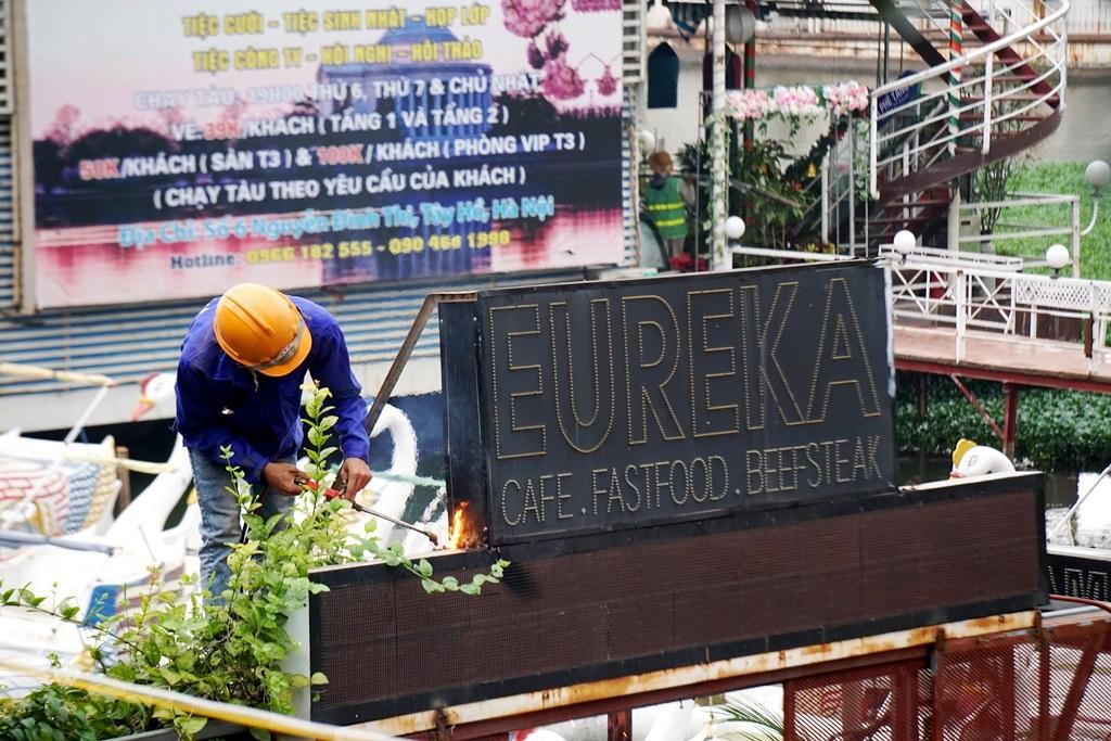 Cưỡng chế công trình vi phạm trật tự xây dựng tại khu vực Bến thủy nội địa (Tây Hồ, Hà Nội)